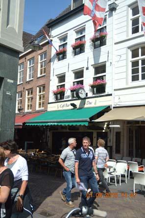helftheuvel 40 jaar Café Bar Le Duc in Korenbrugstraat bestaat 40 jaar   Bastion  helftheuvel 40 jaar