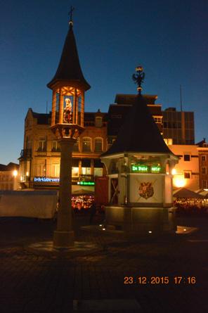 Verlichting Stadhuis, Moriaan, Stadsput en beeld Jeroen Bosch ...